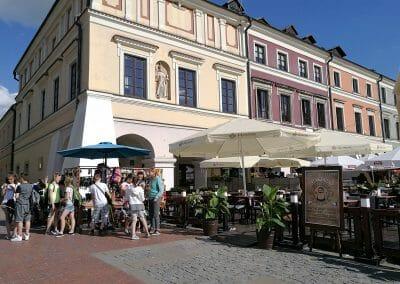 בתי קפה בכיכר השוק