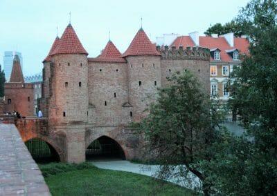 חומות העיר וורשה-Barbakan Warszawski