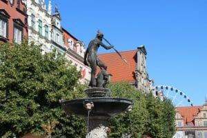 fontan-neptuna-v-gdanske-640x427