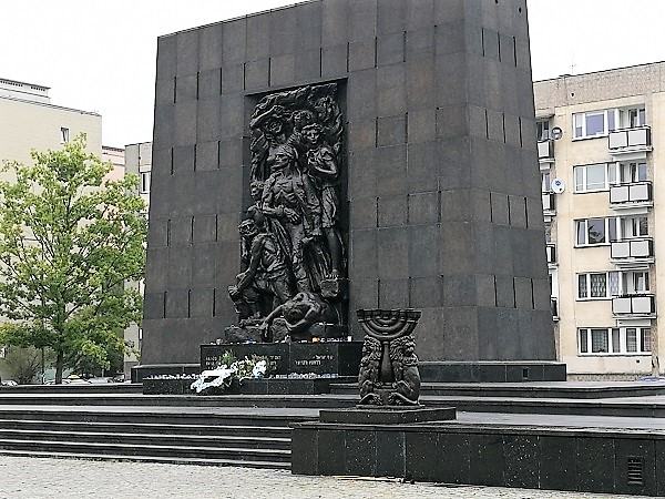 אנדרטה לגיבורי גטו וורשה