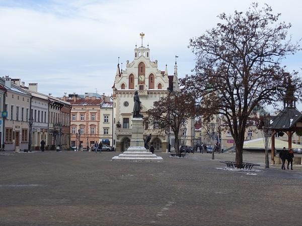 ז'שוב ( Rzeszów ) -כל מידע חשוב למטייל