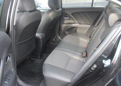 toyota avensis sedan (4)